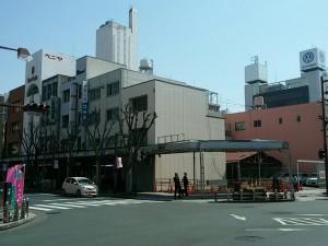 駅から歩いて数分のところ。